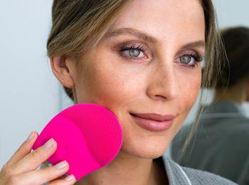 Sun Safari - Lift Mee Beauty tools